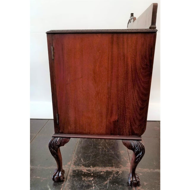 Chippendale 1898-1920 Cole Brothers Ltd. England Chippendale Revival Mahogany Sideboard For Sale - Image 3 of 13