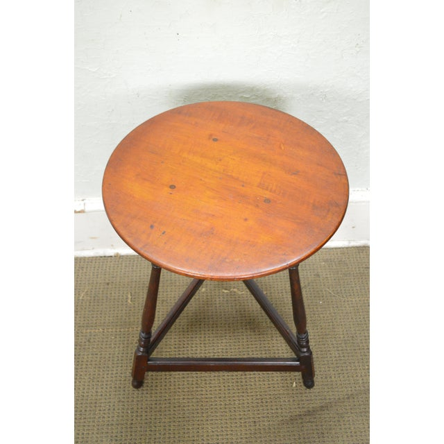 Kensington Furniture Antique Pair of Round English Tavern Tables - Image 5 of 11