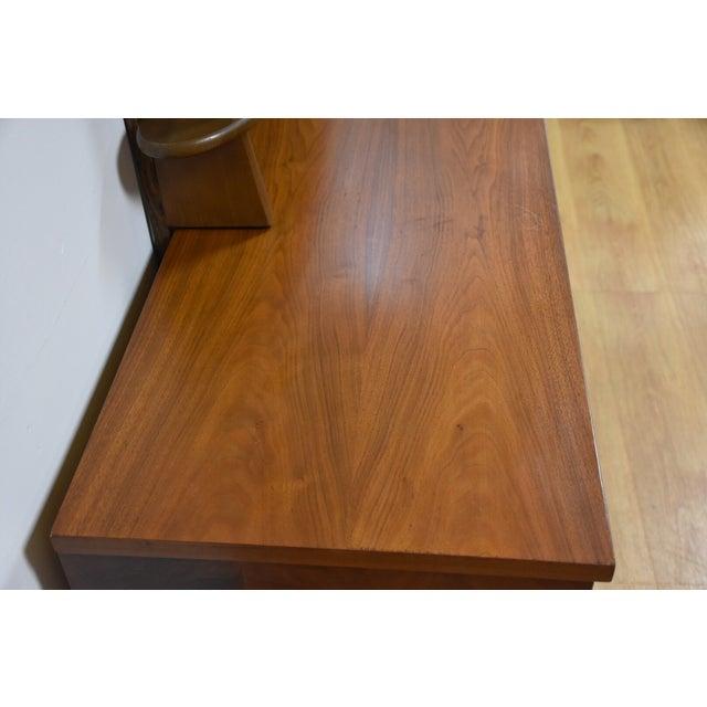 Ward Furniture Walnut Dresser & Mirror - Image 5 of 10