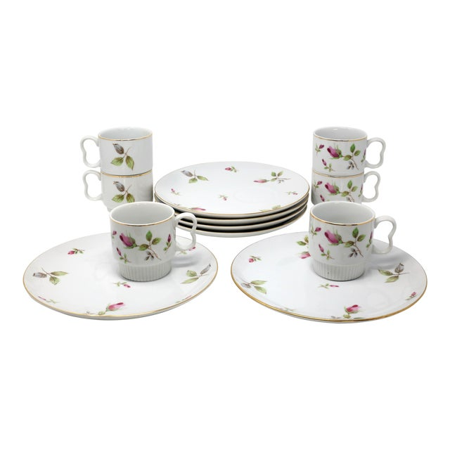 1970s Chinoiserie Royal Geoffrey Rosebud Snack Plates and Cups - 12 Piece Set For Sale
