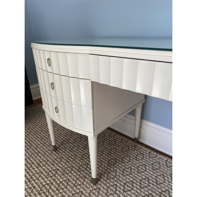 White Lacquer Barbara Barry Ladies Desk For Sale In New York - Image 6 of 13