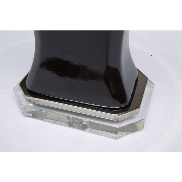 Contemporary Pair of Contemporary Black Glazed and Lucite Lamps For Sale - Image 3 of 7
