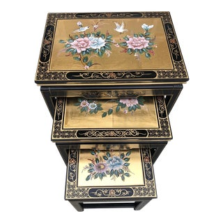 Chinoiserie Black Lacquer Gold Leaf Nesting Tables - Set of 3 For Sale