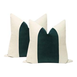 "22"" Emerald Velvet Panel & Linen Pillows - a Pair For Sale"