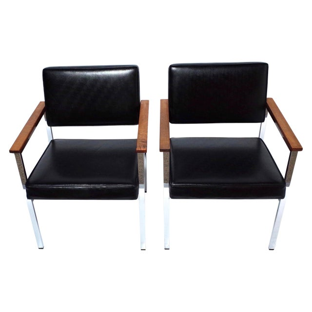 Knoll 900 Executive Art Metal Inc Chairs - a Pair - Image 1 of 7