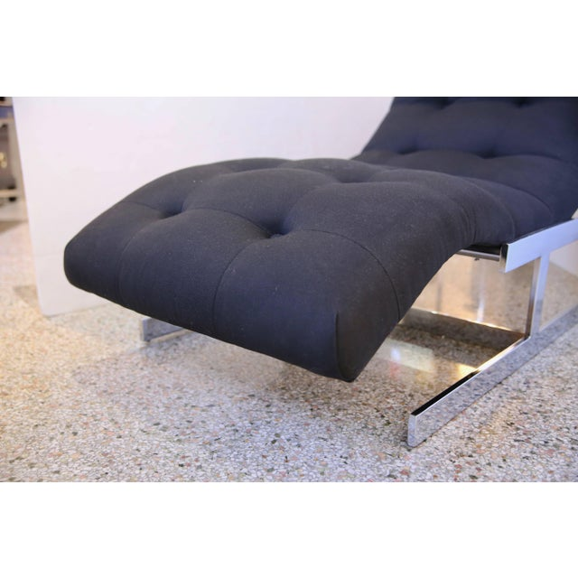 """1970s Milo Baughman """"Wave"""" Chaise in Polished Chrome and Black Upholstery For Sale In West Palm - Image 6 of 8"""