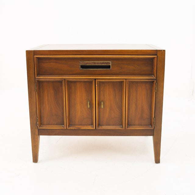 Drexel Mid Century Walnut Nightstand Nightstand measures: 26 wide x 17 deep x 23 high When you purchase a piece we...