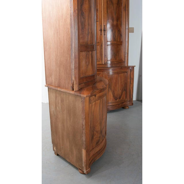 PAIR OF FRENCH 19TH CENTURY WALNUT CORNER CABINETS - Image 9 of 10