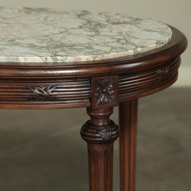 19th Century French Louis XVI Marble Top Oval End Table For Sale - Image 4 of 12