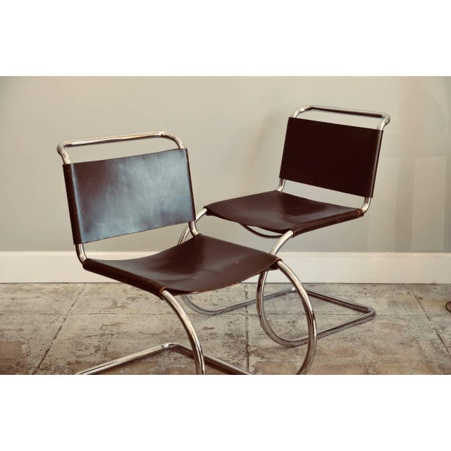 Metal Set of Four Classic Thick Leather and Chrome Mr Chairs by Mies Van Der Rohe For Sale - Image 7 of 10