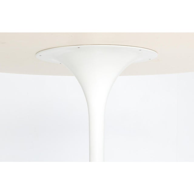 "Metal 1970s Eero Saarinen ""Tulip"" Dining Table for Knoll For Sale - Image 7 of 10"