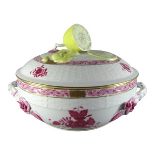 Herend Chinese Bouquet Raspberry Bean Pot Tureen With Lemon Finial For Sale