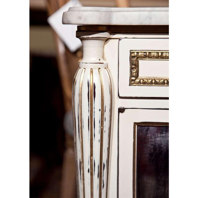 White Painted Marble-Top Cabinets by Jansen - Pair For Sale In New York - Image 6 of 9