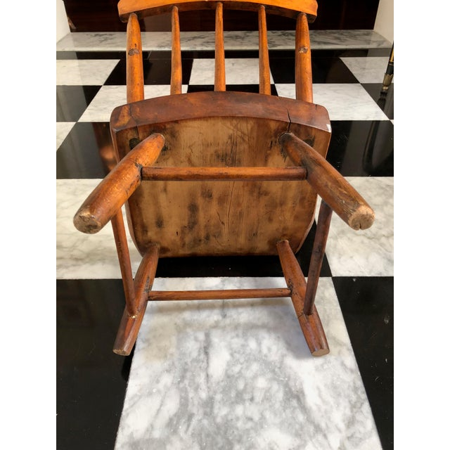 American Primitive Child's Windsor Chair - Image 4 of 5