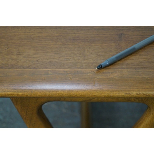 """Lane """"Perspective"""" Mid-Century Walnut V Base Coffee Table For Sale - Image 10 of 10"""