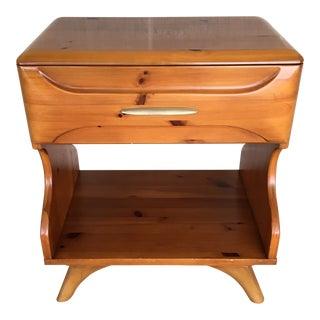 1950's Mid Century Modern Franklin Shockey Sculptured Pine Single Drawer Nightstand For Sale