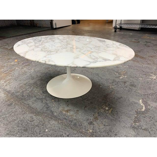 Metal Knoll Eero Saarinen Marble Low Oval Coffee Table For Sale - Image 7 of 9