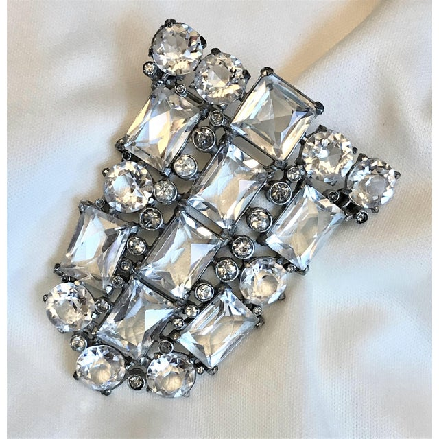 Art Deco Art Deco Clear Faceted Glass Brooch For Sale - Image 3 of 7