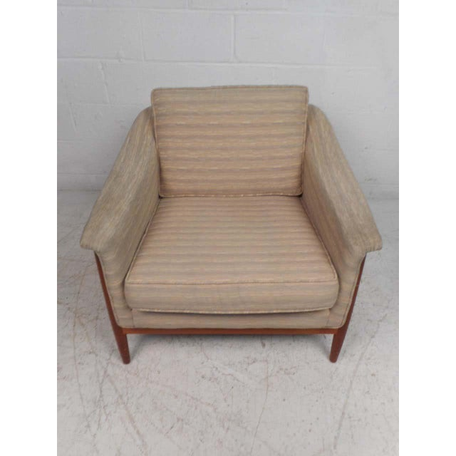DUX Midcentury Lounge Chair by Dux For Sale - Image 4 of 13