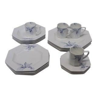 Jack Lenor Larsen Mikasa Japan Porcelain Dinnerware - Set of 20 Pieces For Sale