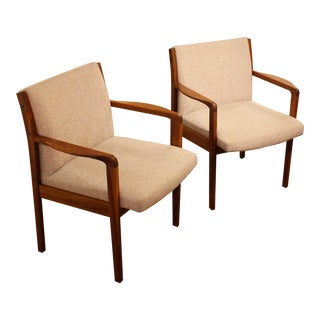 Pair of Mid Century Modern Arm Chairs For Sale