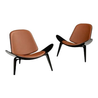 Hans Wegner Shell Chair Ch07 Black With Leather Seat- A Pair For Sale