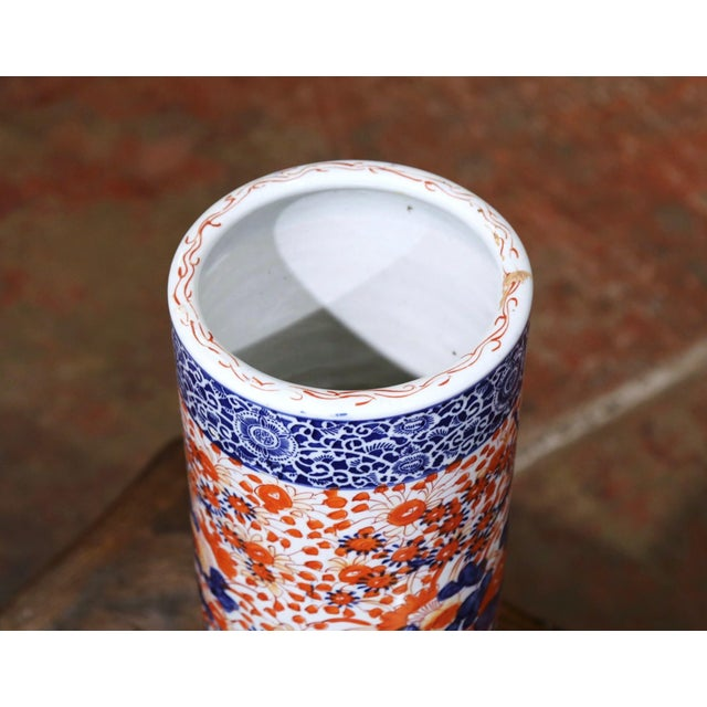 Early 20th Century Early 20th Century Japanese Hand Painted Imari Porcelain Umbrella Stand For Sale - Image 5 of 7
