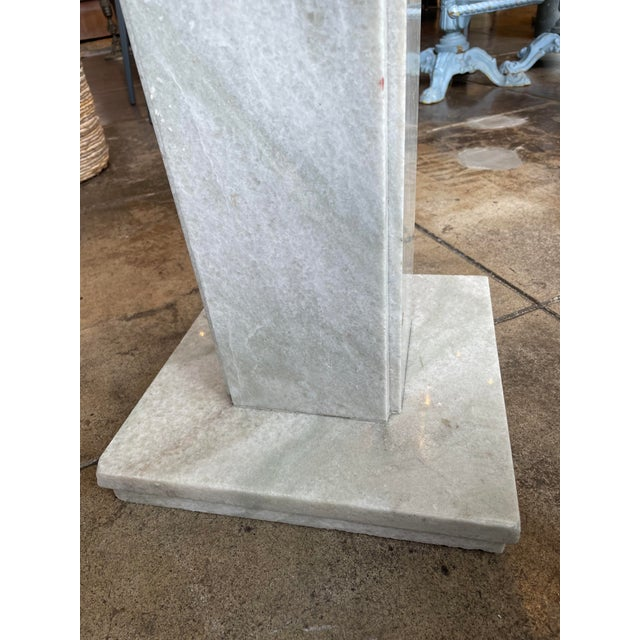 Mid-Century Modern Neoclassical Circular Marble Side Table For Sale - Image 3 of 10