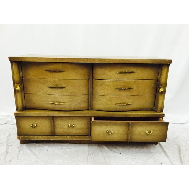 Wood Bassett Furniture Mid-Century Dresser For Sale - Image 7 of 11