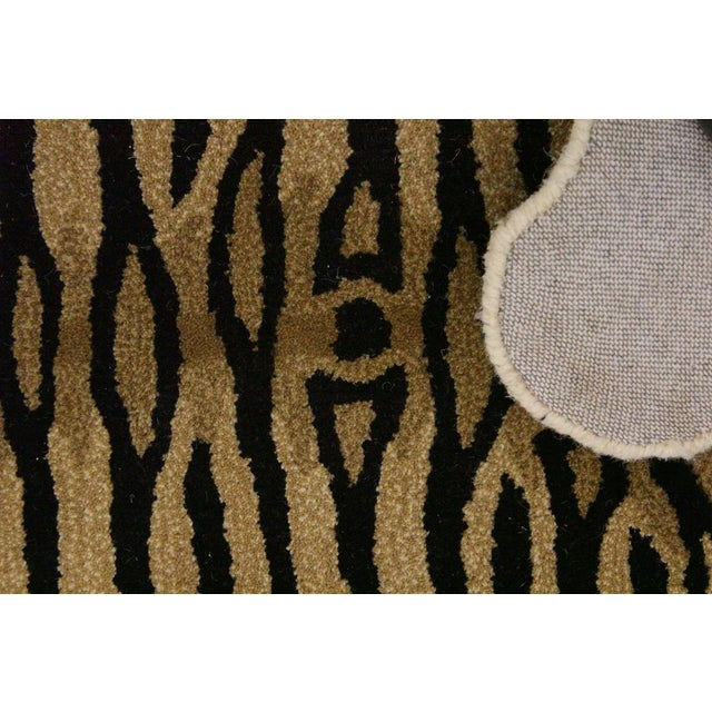 Fiber Contemporary Decorate Wild Animal Design Handcuffed Area Rug- 3′ × 5′ For Sale - Image 7 of 9