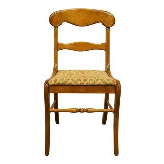 Late 20th Century Ethan Allen Heirloom Nutmeg Maple Duncan Phyfe Dining Side Chair For Sale