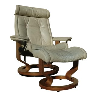 Vintage Ekornes Leather Lounge Chair and Ottoman Set For Sale