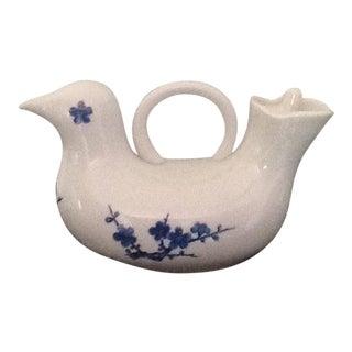Blue & White Porcelain Bird-Shaped Tea Pot For Sale