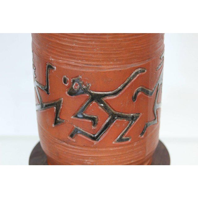 Rust Red Ceramic Table Lamp with Primitive Motif - Image 5 of 9