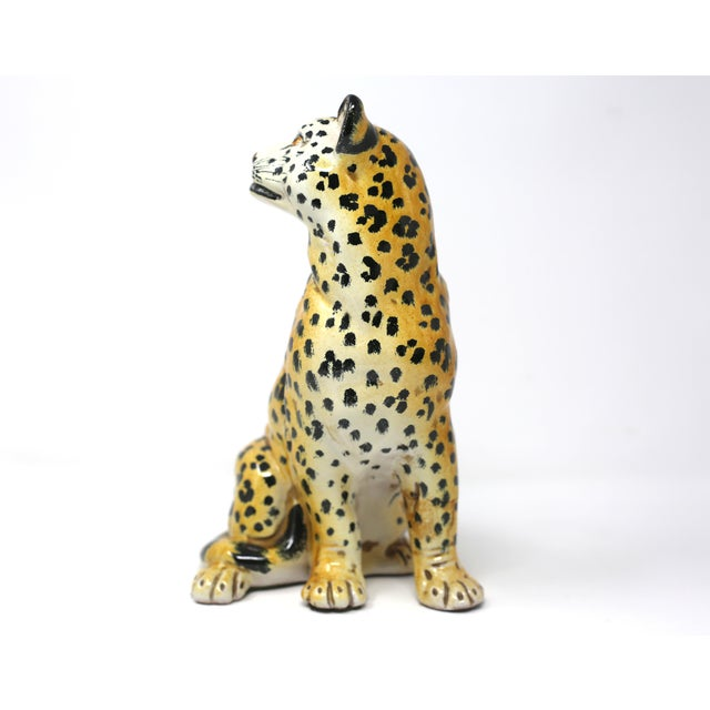 1970s Vintage Italian Cheetah Hand-Painted Majolica Ceramic Leopard Figure For Sale - Image 5 of 12