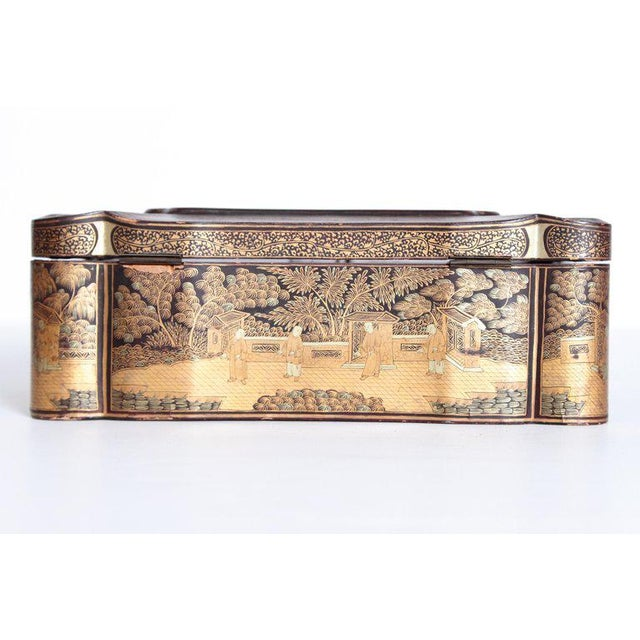 19th Century Chinese Export Chinoiserie Lacquer Sewing Box For Sale - Image 4 of 13