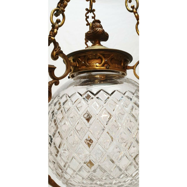 C1880-90 French Antique Louis XVI Style Bronze W/ Cut Crystal Lantern/ Pendant Fixture by Baccarat For Sale In Miami - Image 6 of 8
