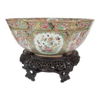 "Important ""Mandarin"" Style Rose Medallion Chinese Export Ceramic Bowl For Sale"