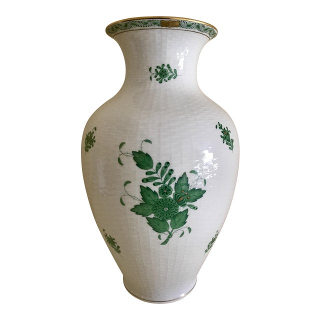 Herend Porcelain Green Chinese Bouquet Vase For Sale