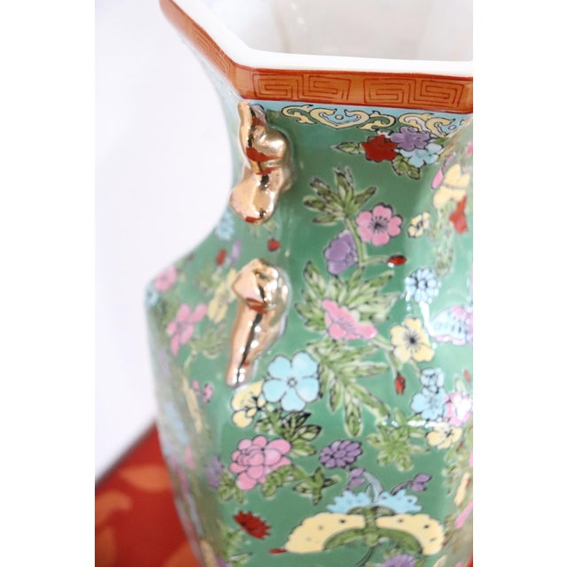 1960s 20th Century Chinese Vintage Artistic Vase in Ceramic Green and Floral Motifs For Sale - Image 5 of 11