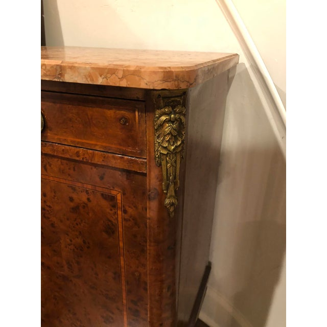 Louis XIV French Marble Top Commode Marquetry Inlay Nightstand For Sale - Image 3 of 6