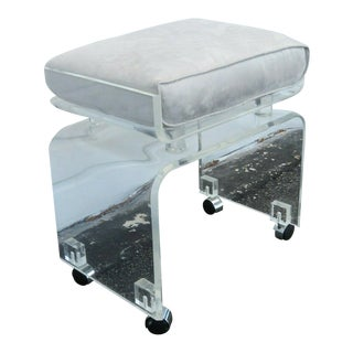 1970s Mid Century Modern Lucite Vanity Bench For Sale