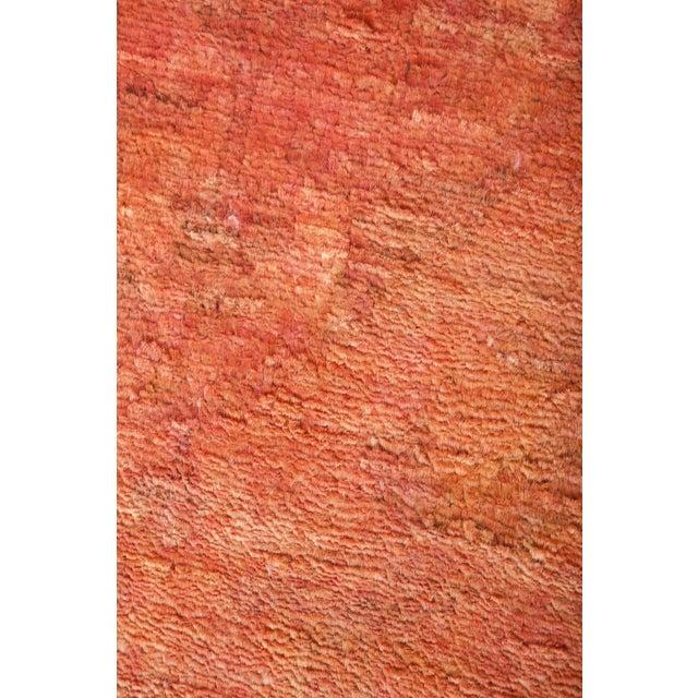 "Contemporary Vita, Coral Vibrance Area Rug - 4' 0"" X 10' 4"" For Sale - Image 3 of 4"