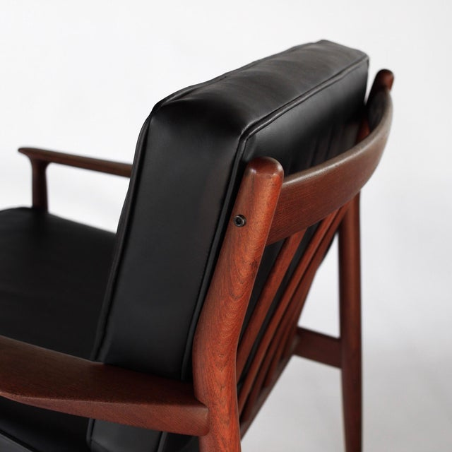 1960s 1960s Danish Modern Svend Åge Eriksen for Glostrup Møbelfabrik Teak Lounge Chairs - a Pair For Sale - Image 5 of 9