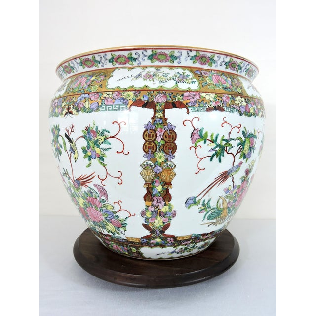 20th Century Chinese Rose Canton Gilt & Lucky Coin Porcelain Planter, Swatow For Sale - Image 4 of 10