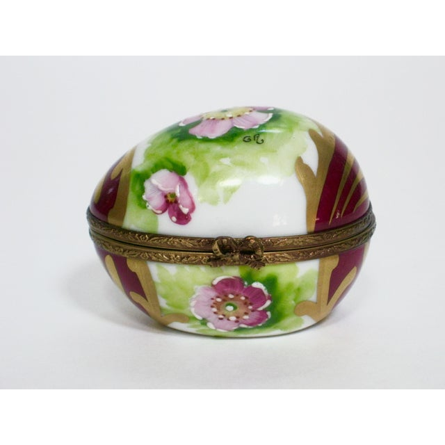 French Vintage Limoges France Hand Painted Egg Box For Sale - Image 3 of 6