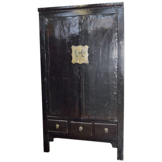 Early 19th Century Chinese Black Lacquered Wardrobe With Drawers and Shelves For Sale