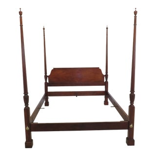 1980s Traditional Baker Queen Size Mahogany Poster Bedframe For Sale