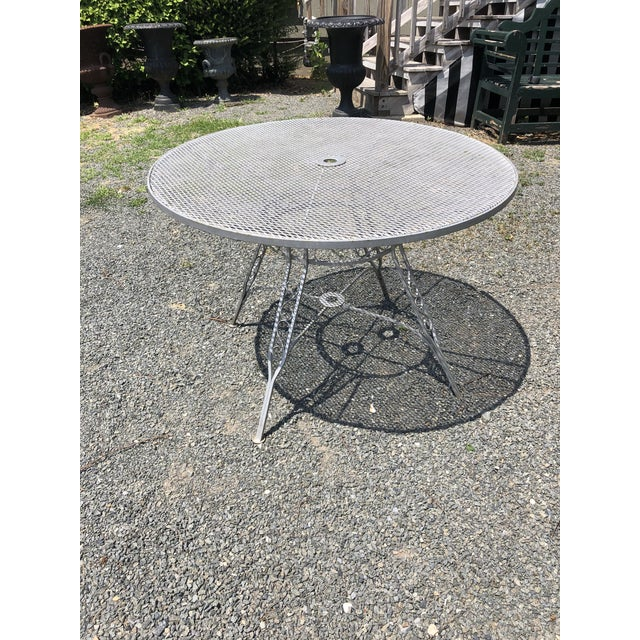 Silver Mid Century Modern Woodard Round Outdoor Dining Set For Sale - Image 8 of 12