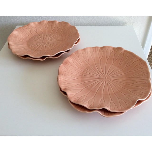 Contemporary Pink Hued Metlox Lotus Dinner Plates - Set of 4 For Sale - Image 3 of 6